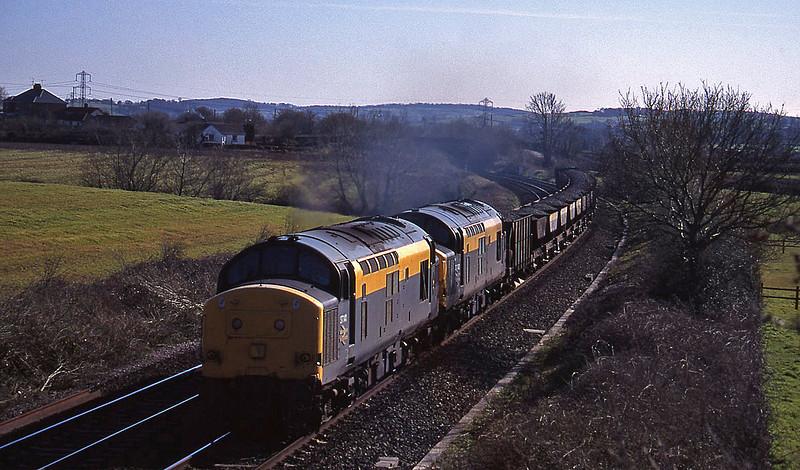 37141/37092, up ballast, Willand, near Tiverton, 29-3-95.