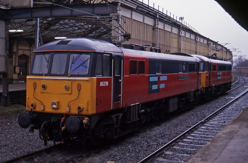 86210/86424, stabled, Crewe, 17-3-95.