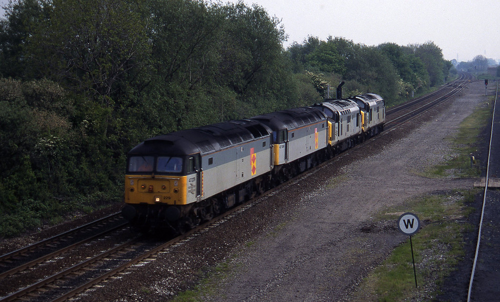 47229/47049/37238/37218, down light, Stenson Junction, near Derby, 23-5-95.