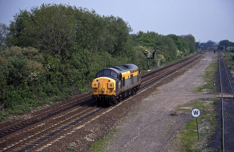 37095, up light, Stenson Junction, near Derby, 23-5-95.
