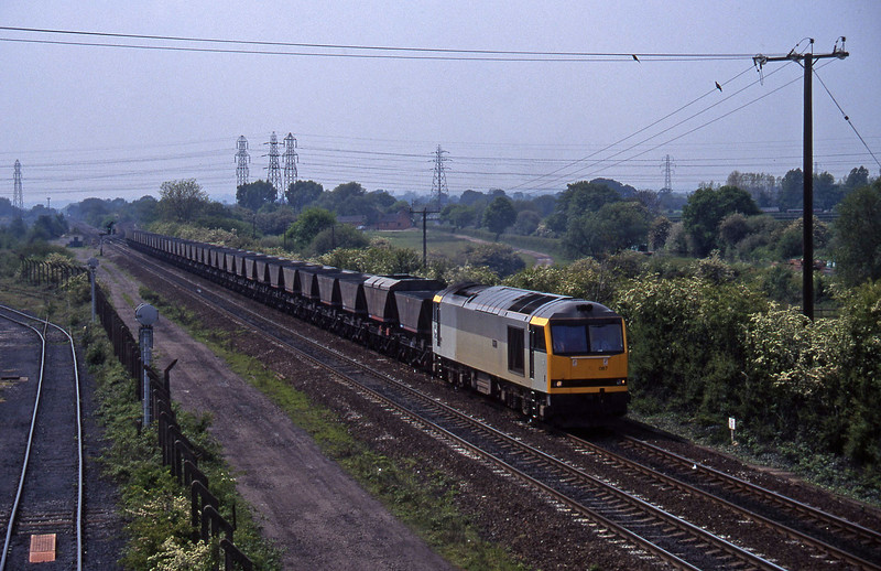 60087, down mgr empties, Stenson Junction, near Derby, 23-5-95.