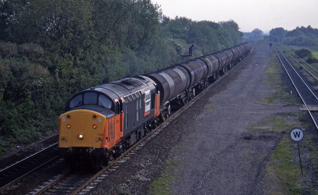 37713, up tanks, Stenson Junction, near Derby, 23-5-95.