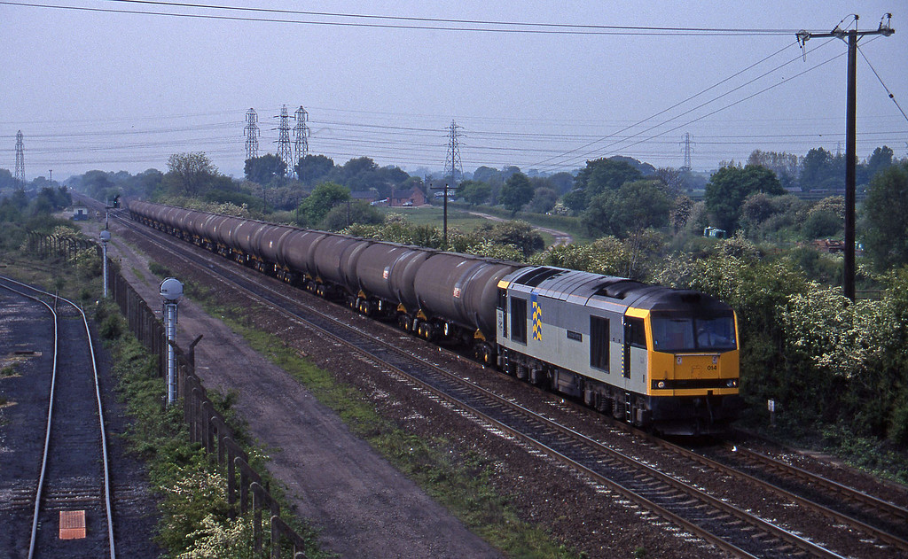 60014, down tanks, Stenson Junction, near Derby, 23-5-95.