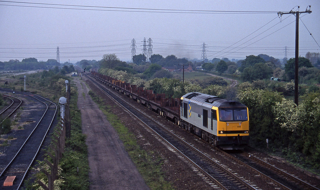 60008, down steel empties, Stenson Junction, near Derby, 23-5-95.