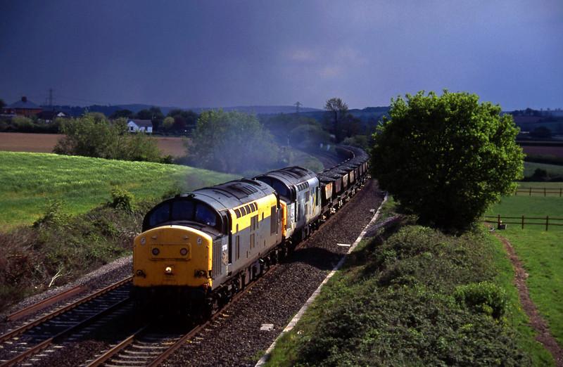 37158/37077, up ballast, Willand, near Tiverton, 12-5-95.