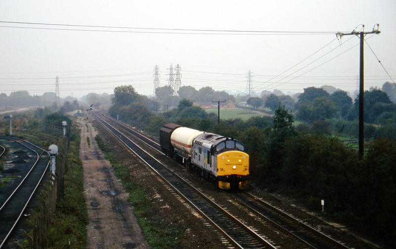 37688, down Enterprise, Stenson Junction, near Derby, 11-10-95.