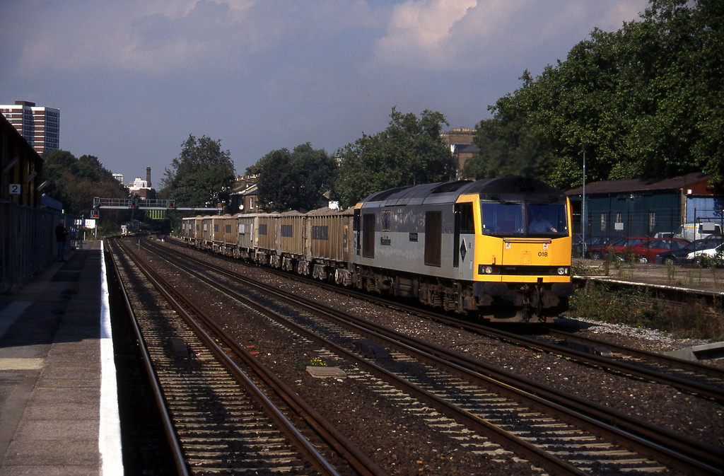 60018, London Acton-Purley, Kensington Olympia, 22-9-95.
