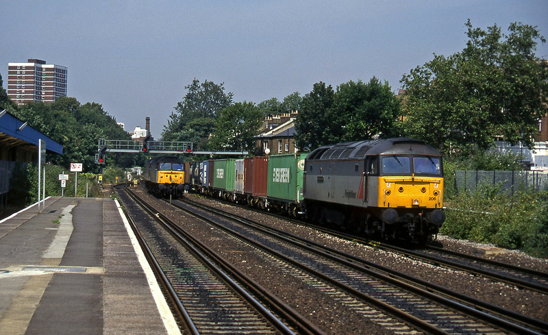 47206, Wembley-Grain, 47287/47304, northbound, Kensington Olympia, 19-7-96.