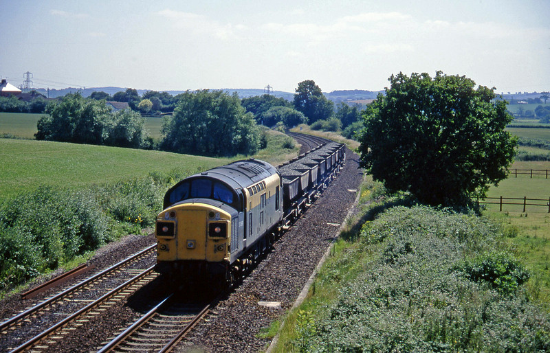 37098, up ballast, Willand, near Tiverton, 16-7-96.