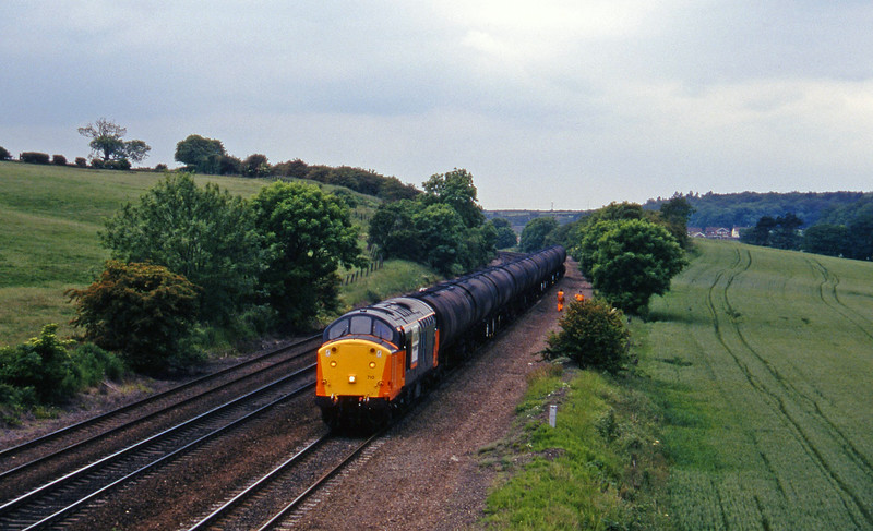 37710, eastbound tanks, Melton Ross, 19-6-96.