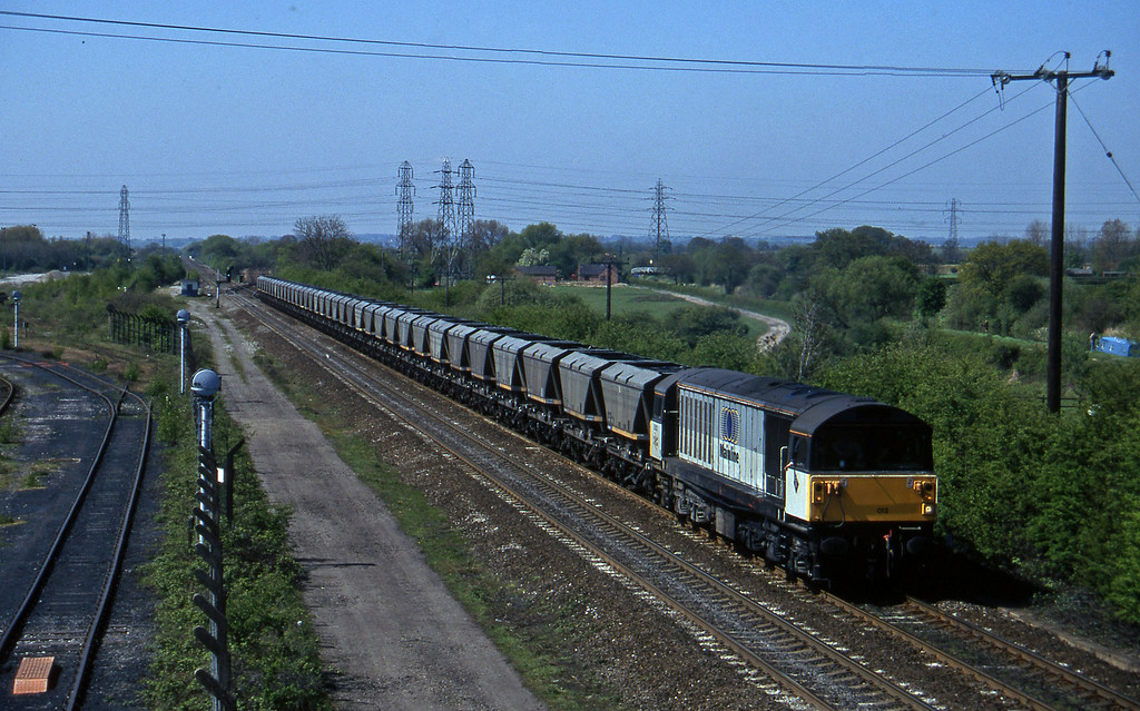58012, down mgr empties, Stenson Junction, near Derby, 14-5-96.