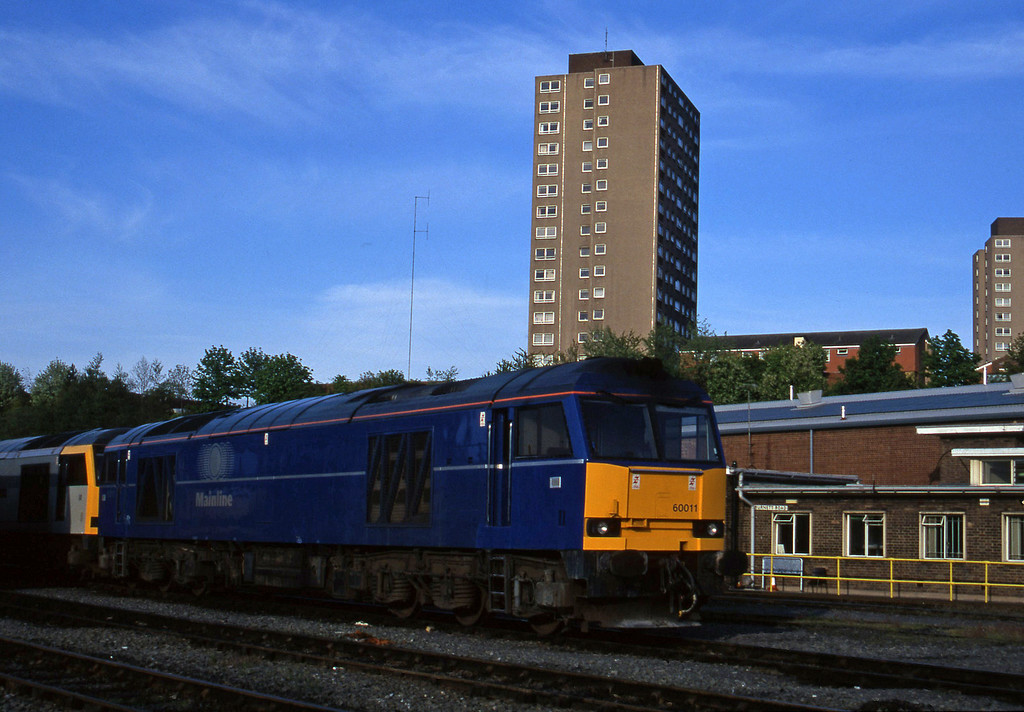 60011/60098, stabled, Leicester TMD, 14-5-96.