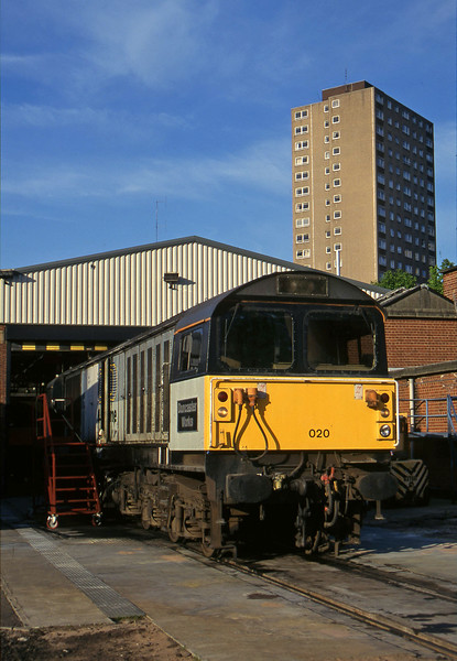 58020/58027, stabled, Leicester TMD, 14-5-96.