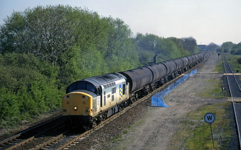 37706, up tanks, Stenson Junction, near Derby, 14-5-96.