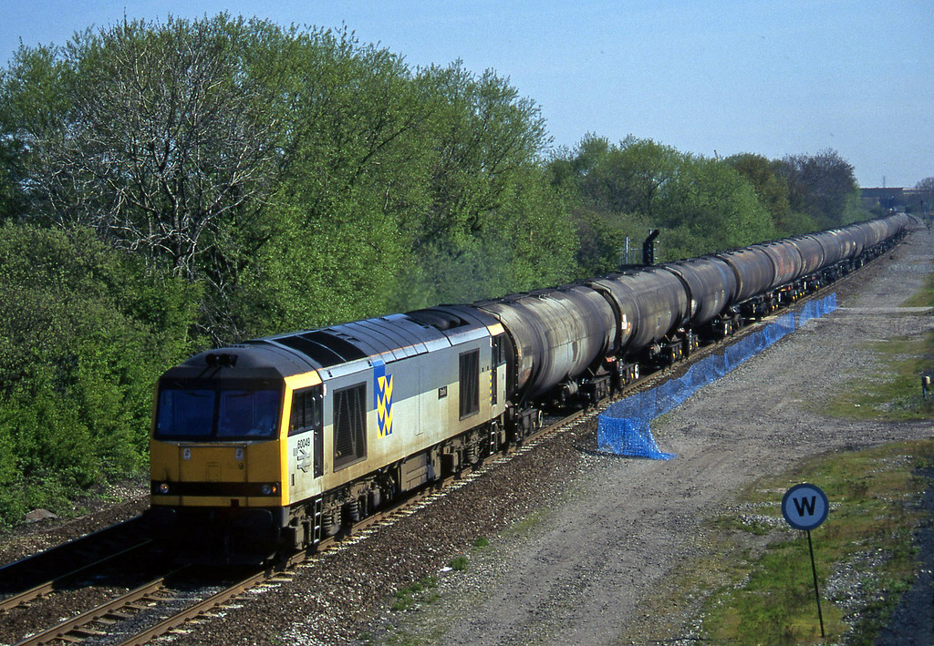 60049, up tanks, Stenson Junction, near Derby, 14-5-96.
