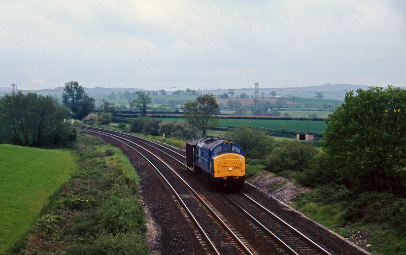 37803, up ballast, Willand, near Tiverton, 28-5-96.