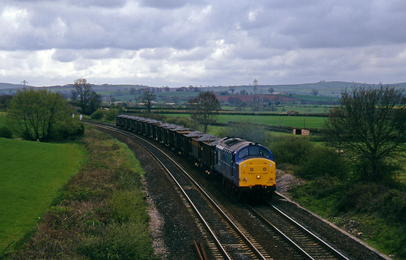 37219, up ballast, Willand, near Tiverton, 1-5-96.
