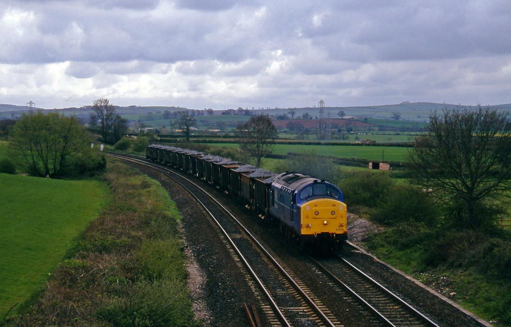 37219, up ballast, Willand, near Tiverton, 1-5-96.