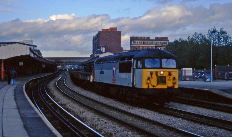 56073, down steel empties, Newport  13-11-96.