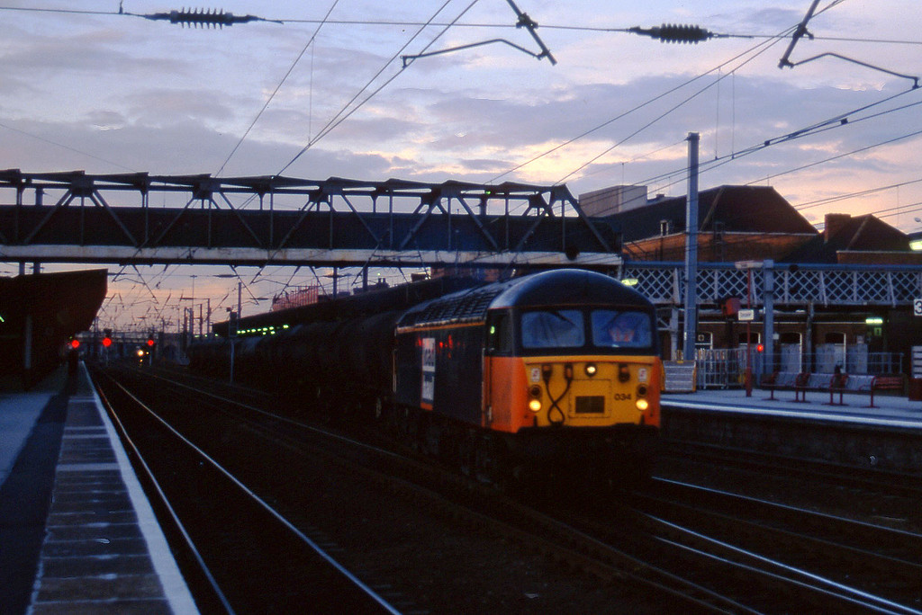 56034, southbound tanks, Doncaster, 1-10-96.