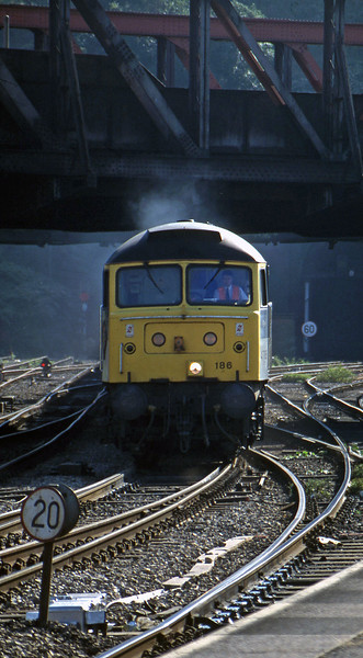 47186, 15.57 Newport Alexandra Dock Junction-Wembley, Newport, 17-9-96.