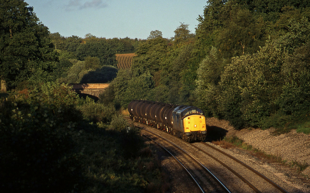 37709, 13.34 Fawley-Plymouth Tavistock Junction Yard, Whiteball, 27-9-96.