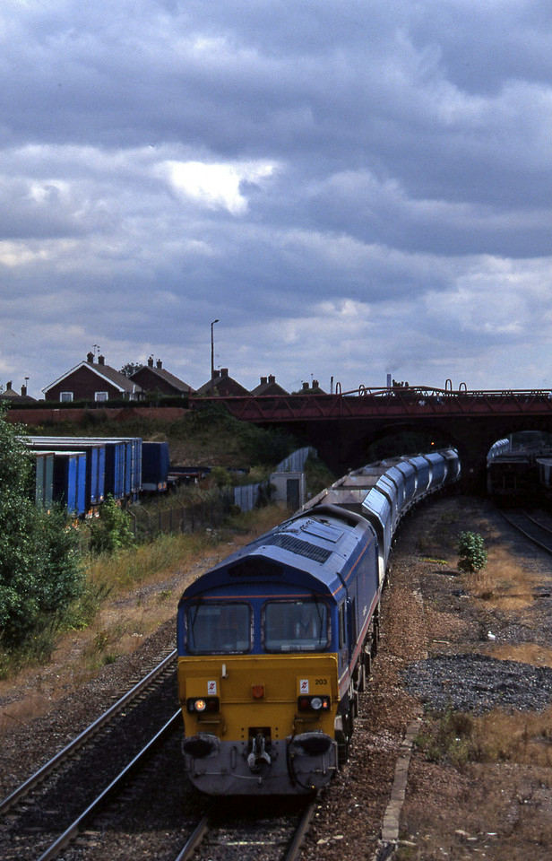 59203, westbound mgr empties, Knottingley, 4-8-97.