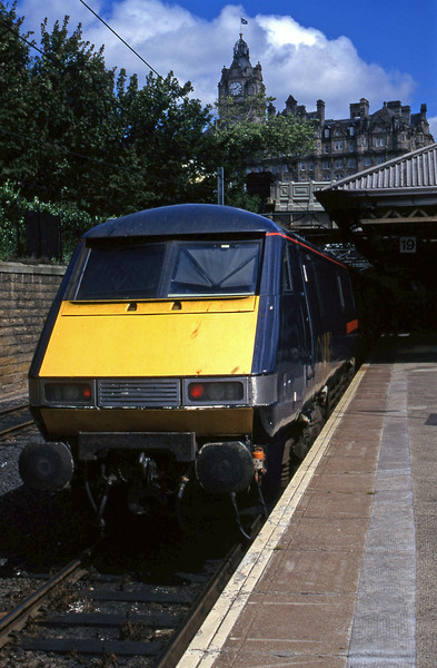 91010, 14.00 Edinburgh Waverley-London King's Cross, Edinburgh Waverley, 1-8-97.