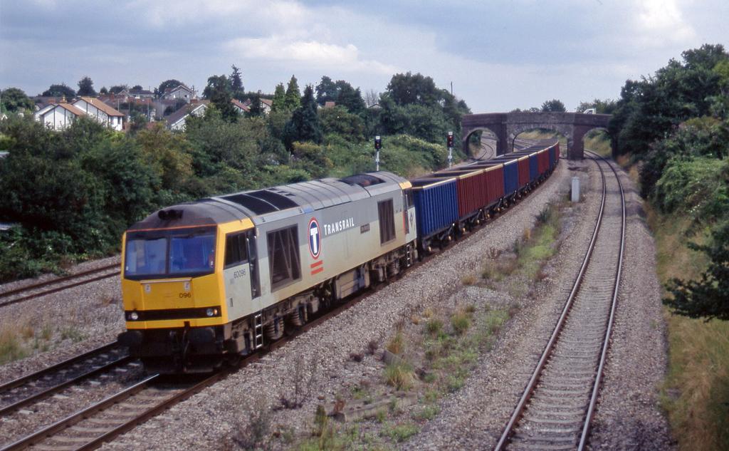 60096, 04.56 St Blazey-Newport Alexandra Dock Junction, Magor, 13-8-97.