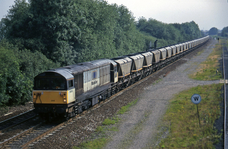 58019, up mgr, Stenson Junction, near Derby, 8-7-97.