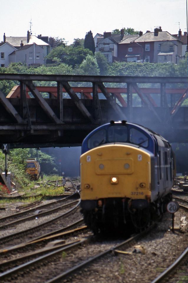37216/37162, up stone, Newport, 17-6-97.