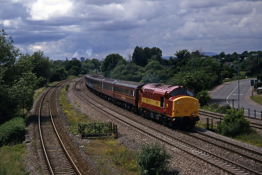 37411, 14.10 Cardiff Central-Bristol Temple Meads, Undy, 25-6-97.
