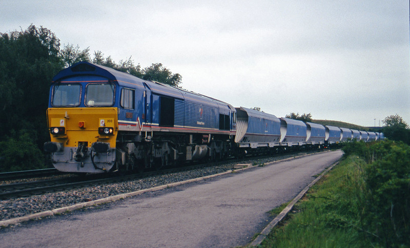 59203, up mgr from Gascoigne Wood, Gascoigne Wood Junction, Monk Fryston, near Knottingly, 16-5-97.