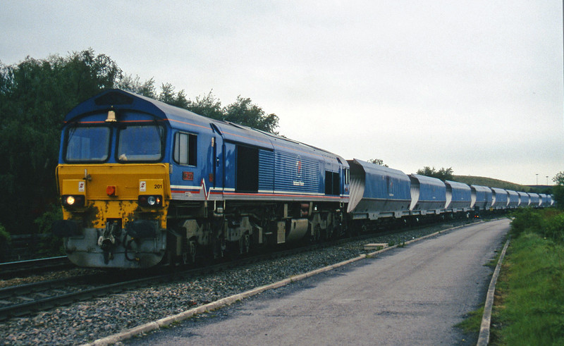 59201, up mgr from Gascoigne Wood, Gascoigne Wood Junction, Monk Fryston, near Knottingly, 16-5-97.