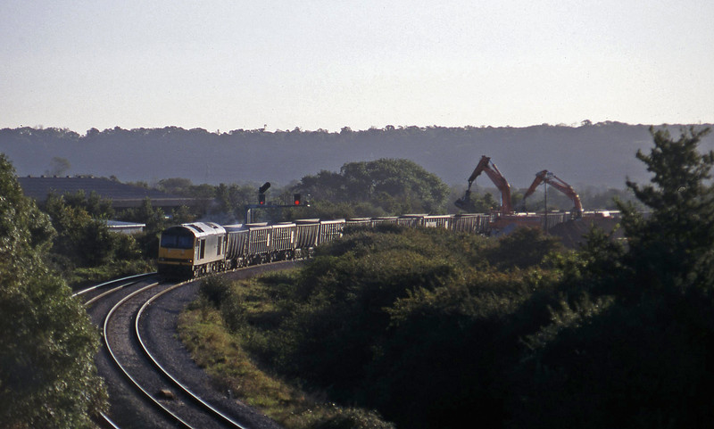 60094, unloading stone, Hallen Marsh, near Avonmouth, 21-10-97.