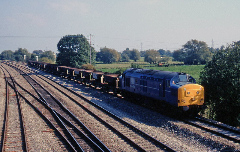 37203, 11.25 Swindon-Newport Alexandra Dock Junction Yard, Magor, 23-9-97.