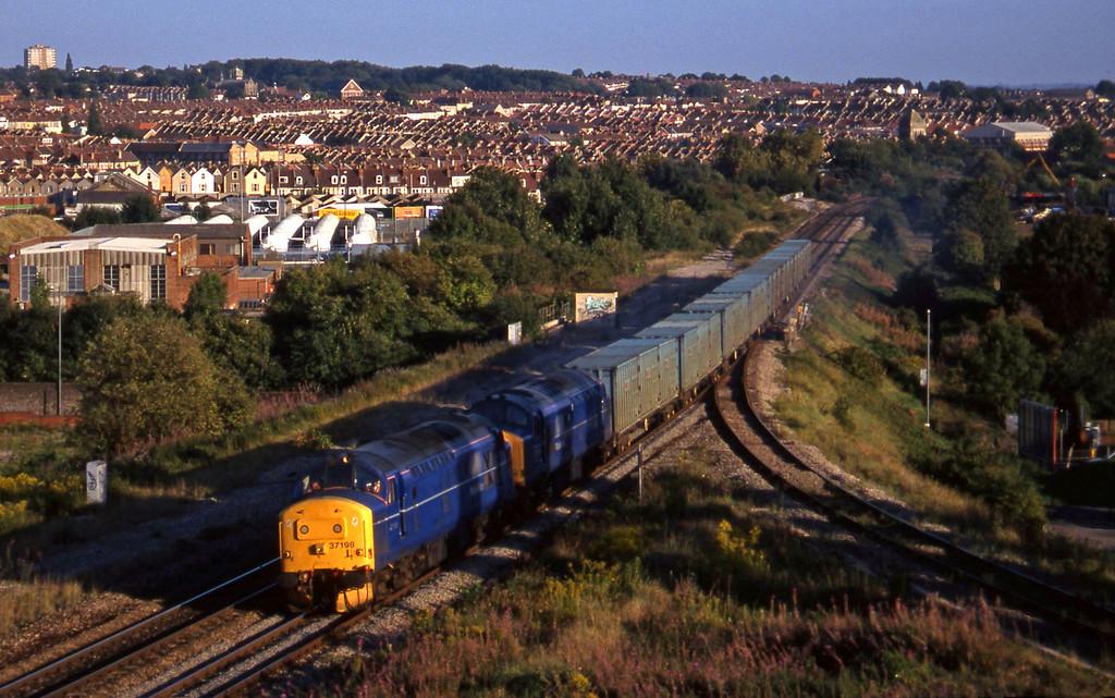 37198/37203, 17.47 Bath Refuse Transfer Station-Westerleigh RTS, Narrows Hill, Bristol, 9-9-97.