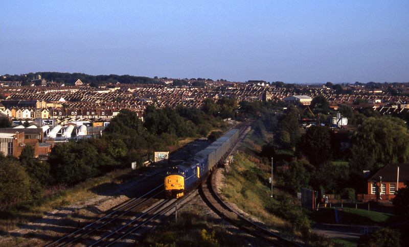 37198/37203, 17.47 Bath Refuse Transfer Station-Westerleigh RTS, Narrows Hill, Bristol, 9-9-97.