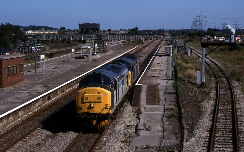 37229/37072, down light from Bristol line, Severn Tunnel Junction, 9-9-97.