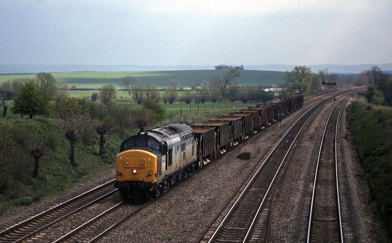 37678, down departmental, South Moreton, near Didcot, 7-4-98.