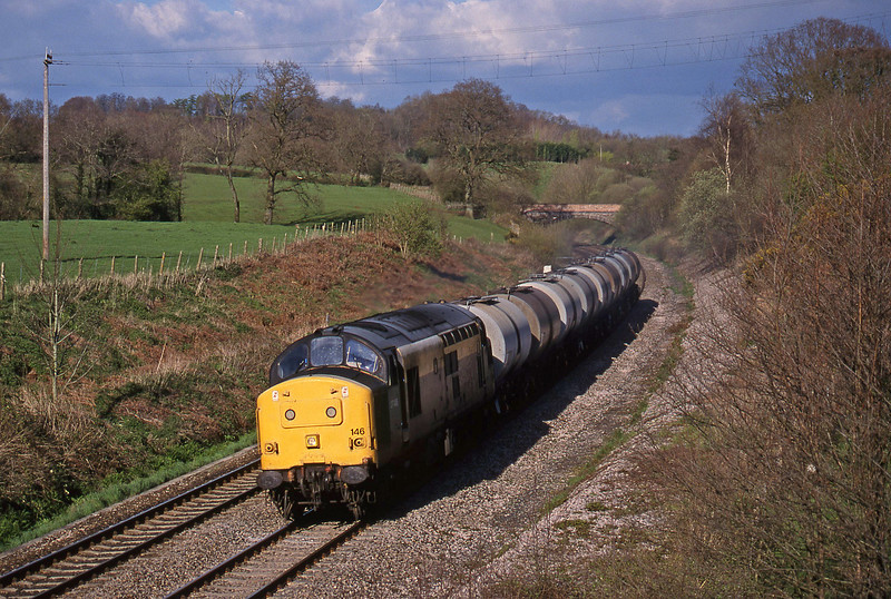 37146, 13.34 Fawley-Plymouth Tavistock Junction Yard, Whiteball, 15-4-98.