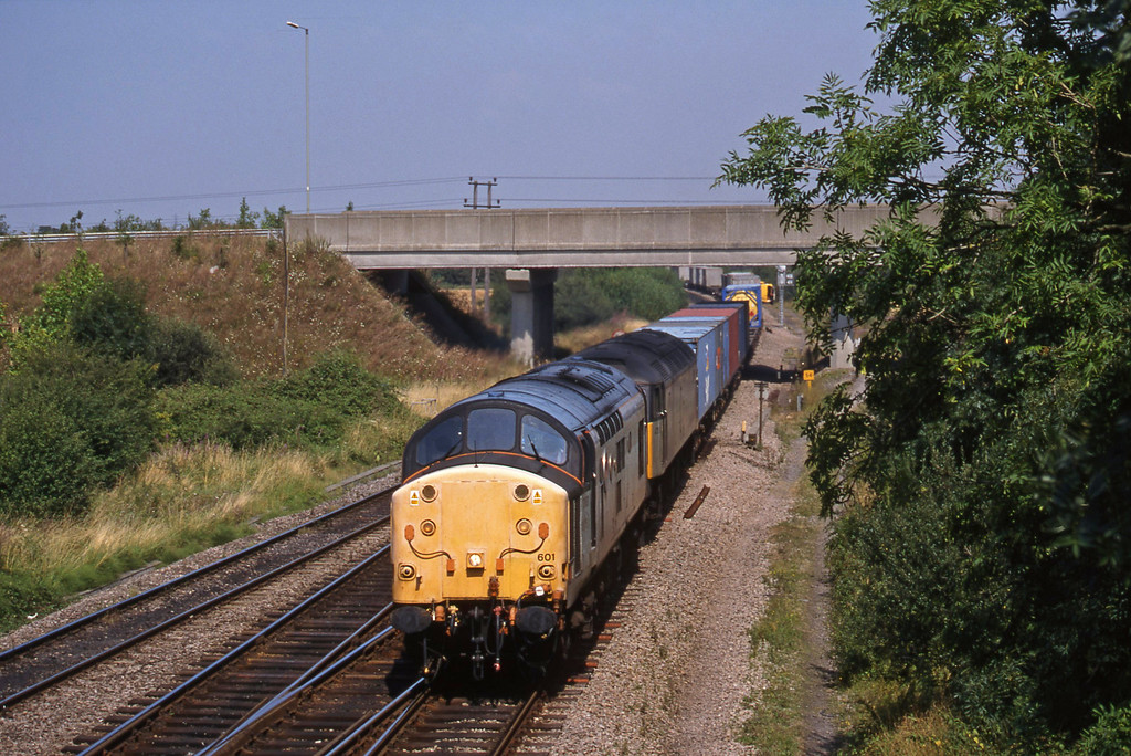 37601/47283, 04.08 Leeds-Southampton, Didcot North Junction, 11-8-18.
