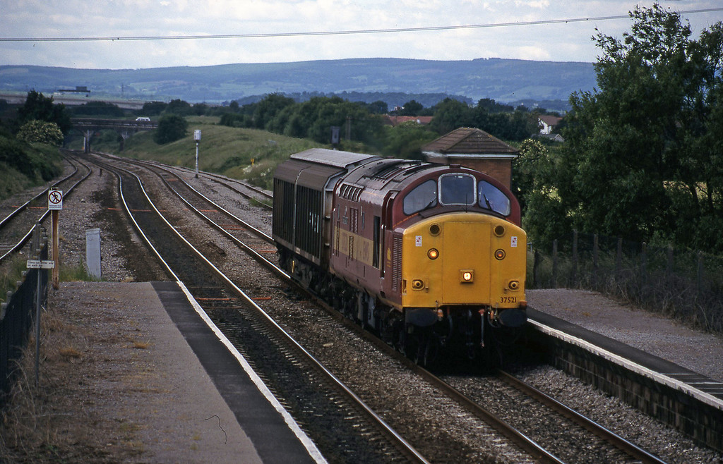 37521, Newport Alexandra Dock Junction-Avonmouth, Pilning, 11-6-98.