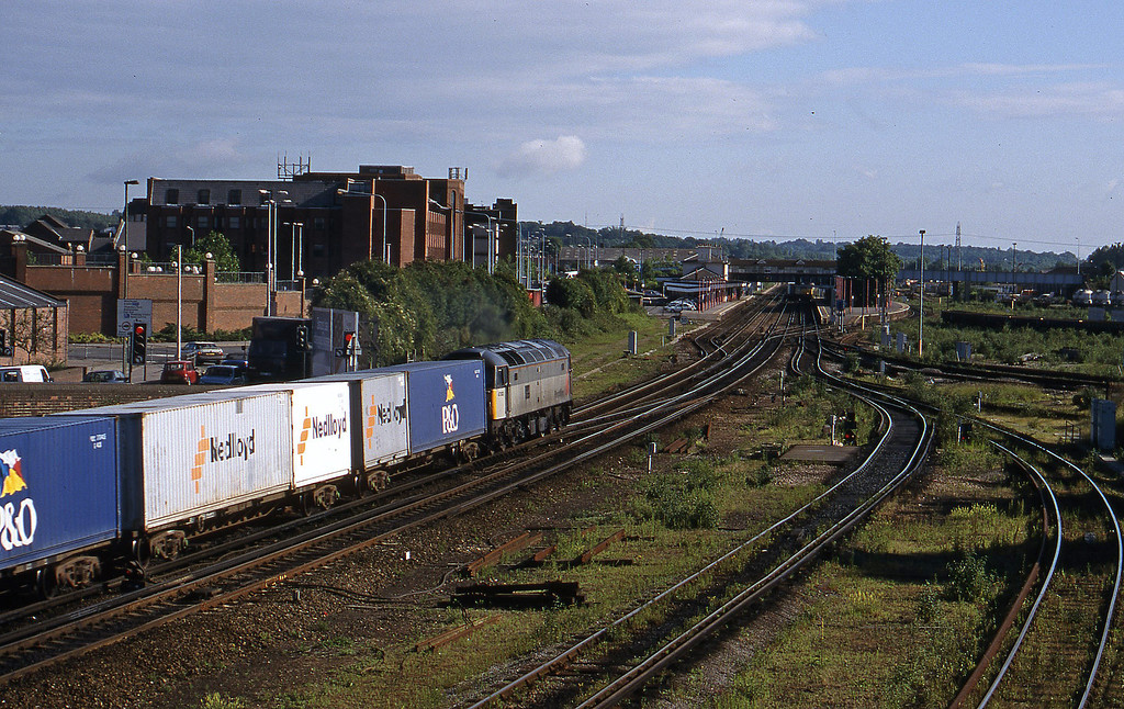 47303, 08.12 Southampton-Ripple Lane, Eastleigh, 12-6-98.