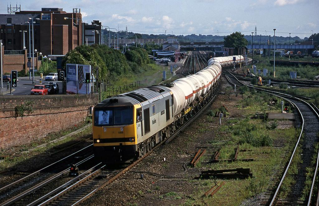 60088, 08.21 Eastleigh Yard-Furzebrook, Eastleigh, 12-6-98.