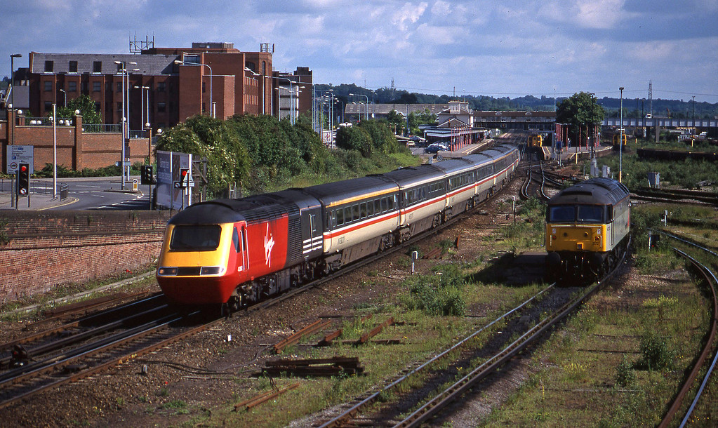 43160/43122, down, 47372, off TMD, Eastleigh, 12-6-98.