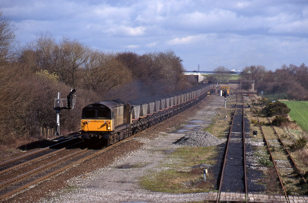 58001, mgr east-south, Stenson Junction, near Derby, 4-3-98.