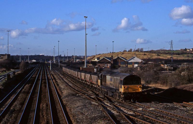 58003, mgr eastbound, Toton, Nottingham, 4-3-98.