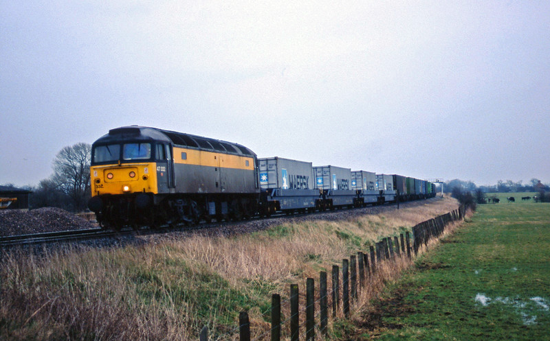 47332, 09.40 Southampton-Cardiff Pengam, Shrivenham, near Swindon, 10-3-98.