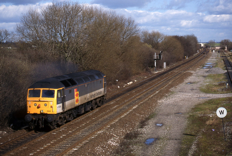 47344, light south to north, Stenson Junction, near Derby, 4-3-98.